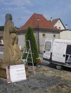 Monument aux morts avant la restauration