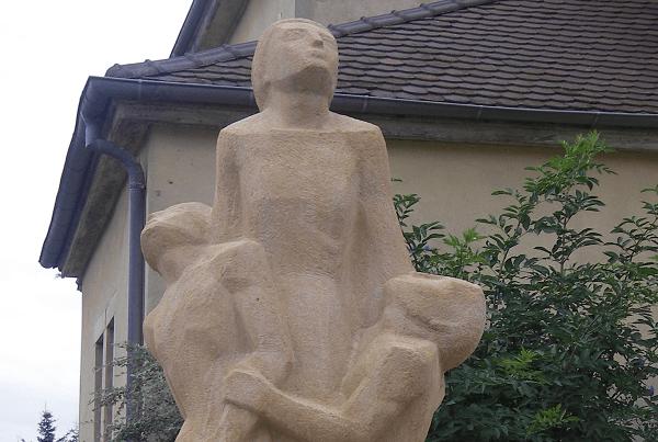 Nettoyage du monument aux morts de Roppentzwiller